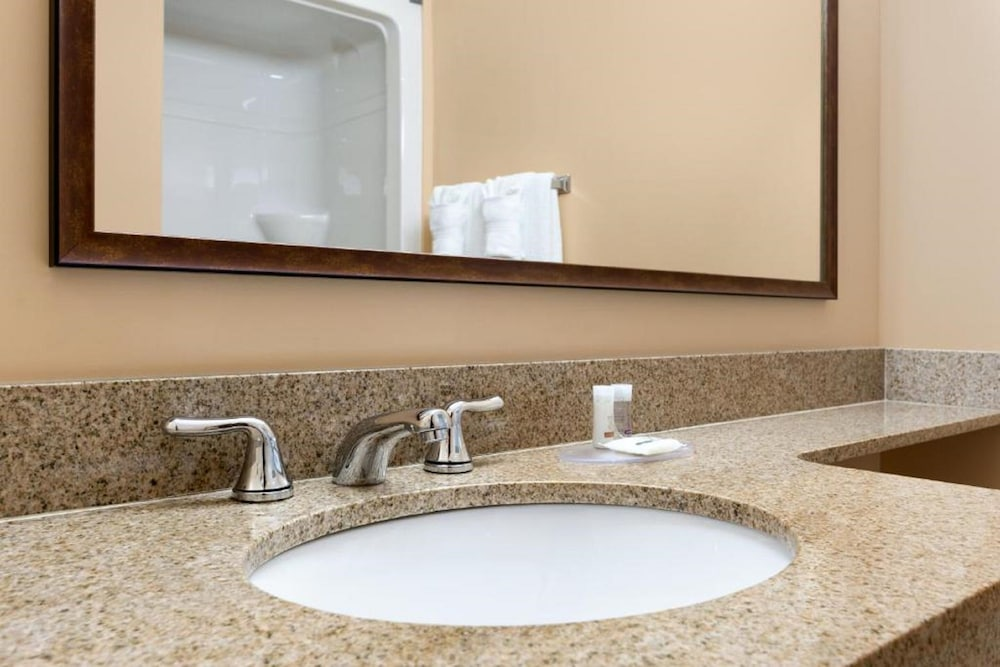 Bathroom Sink, Days Inn & Conference Centre by Wyndham Oromocto