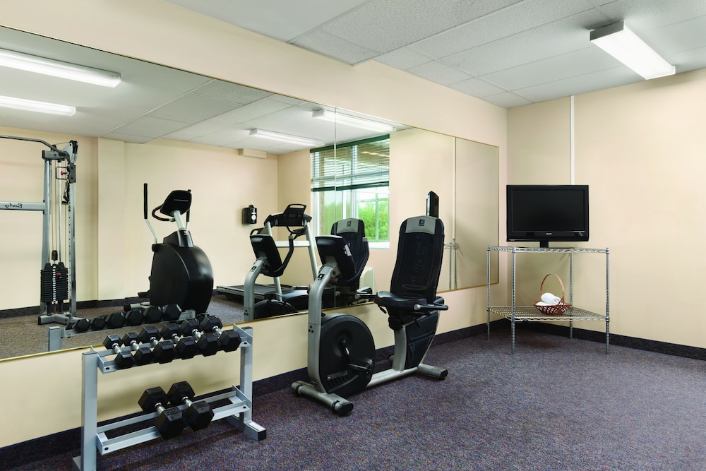 Fitness Facility, Days Inn & Conference Centre by Wyndham Oromocto