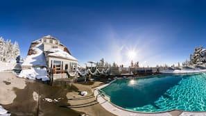Una piscina al aire libre (de 9:00 a 23:00), tumbonas