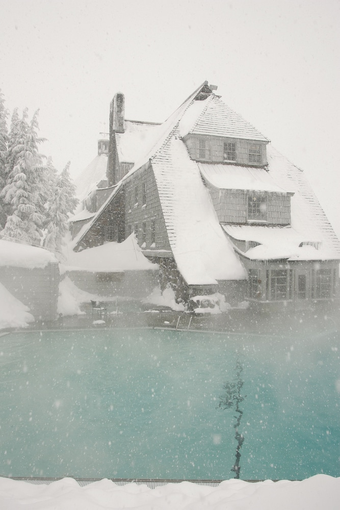 Outdoor Pool, Timberline Lodge