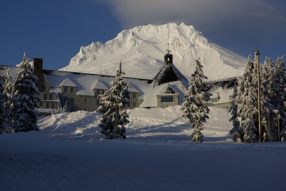Front of Property, Timberline Lodge