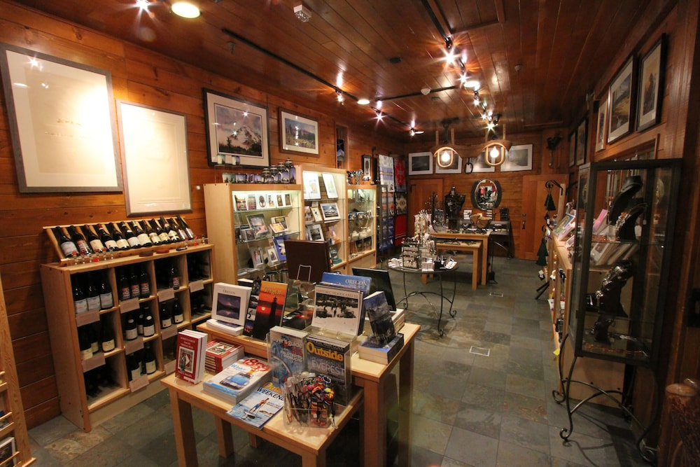 Gift Shop, Timberline Lodge