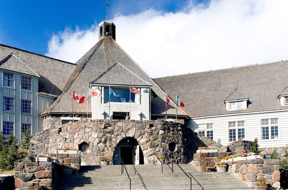Property Entrance, Timberline Lodge
