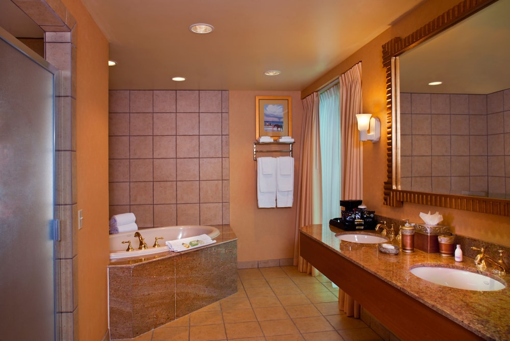 Bathroom, South Point Hotel, Casino, and Spa