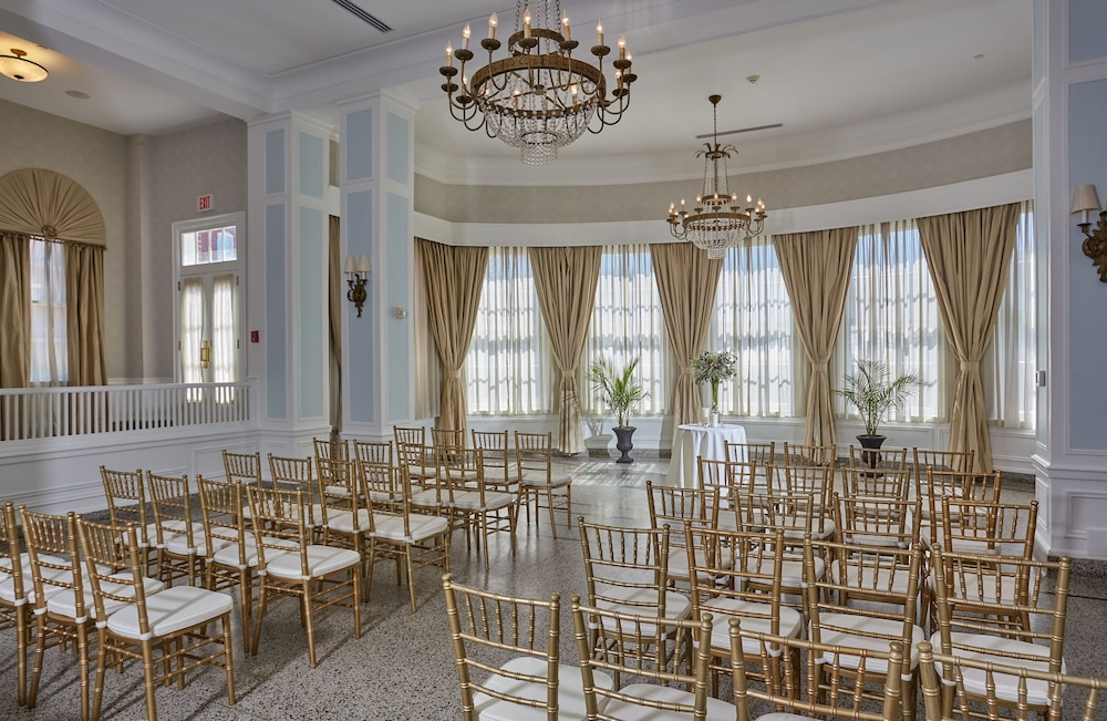 Indoor Wedding, Stonewall Jackson Hotel