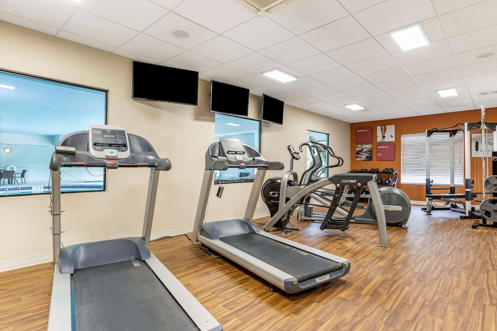 Fitness Facility, Comfort Suites Grand Rapids North