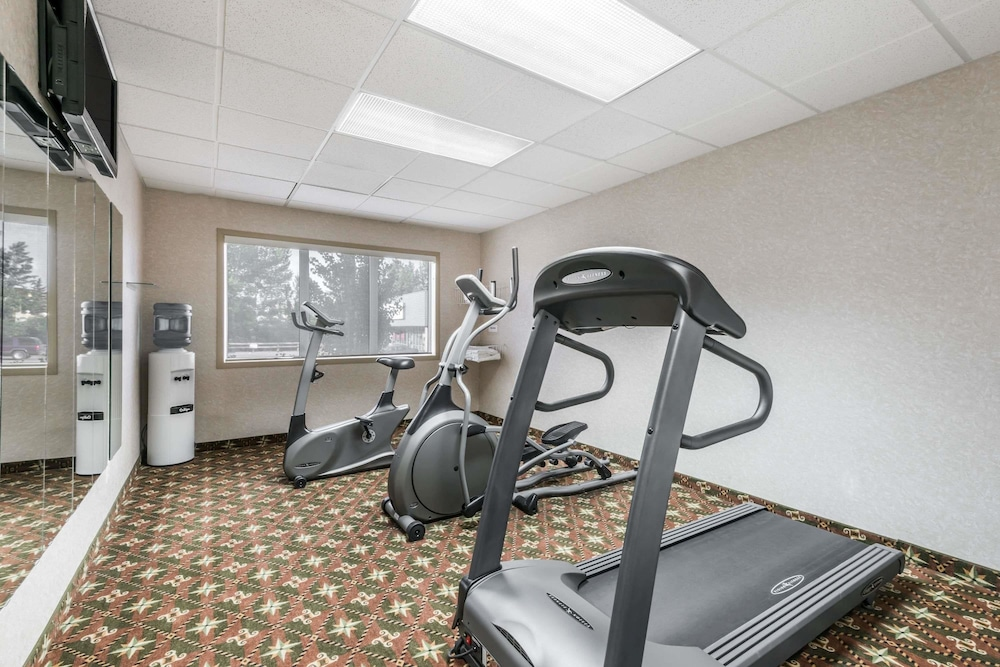 Fitness Facility, Super 8 by Wyndham Red Deer City Centre