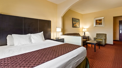 Great Place to stay Best Western Mainland Inn & Suites near Texas City
