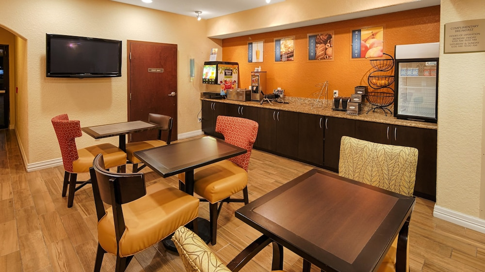 Breakfast Area, Best Western Mainland Inn & Suites