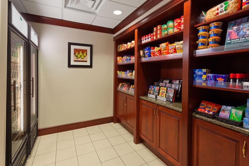Gift Shop, Homewood Suites by Hilton Gainesville