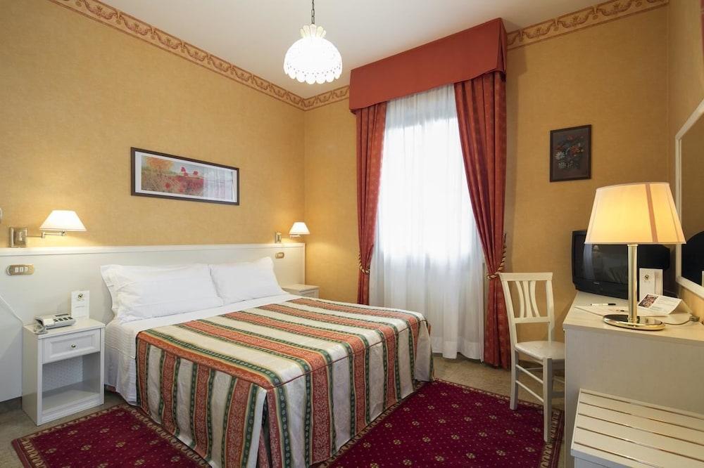 Hotel Falco D Oro Tole Italy