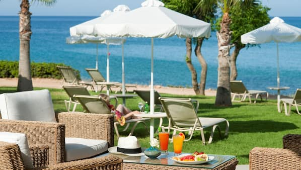 4 restaurants, spécialités internationales