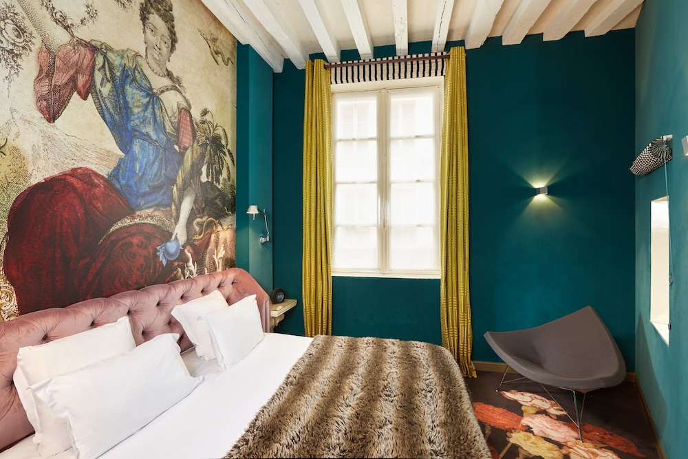 Room, Hôtel du Petit Moulin – Small Luxury Hotels of the World