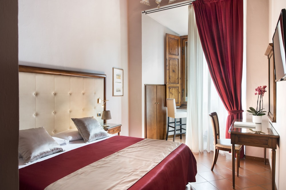 Hotel Leon Bianco in San Gimignano | Hotel Rates & Reviews on Orbitz