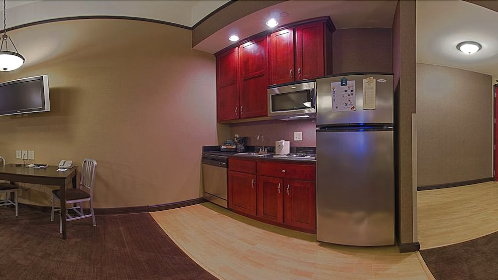 Private Kitchenette, Homewood Suites by Hilton Indianapolis-Downtown