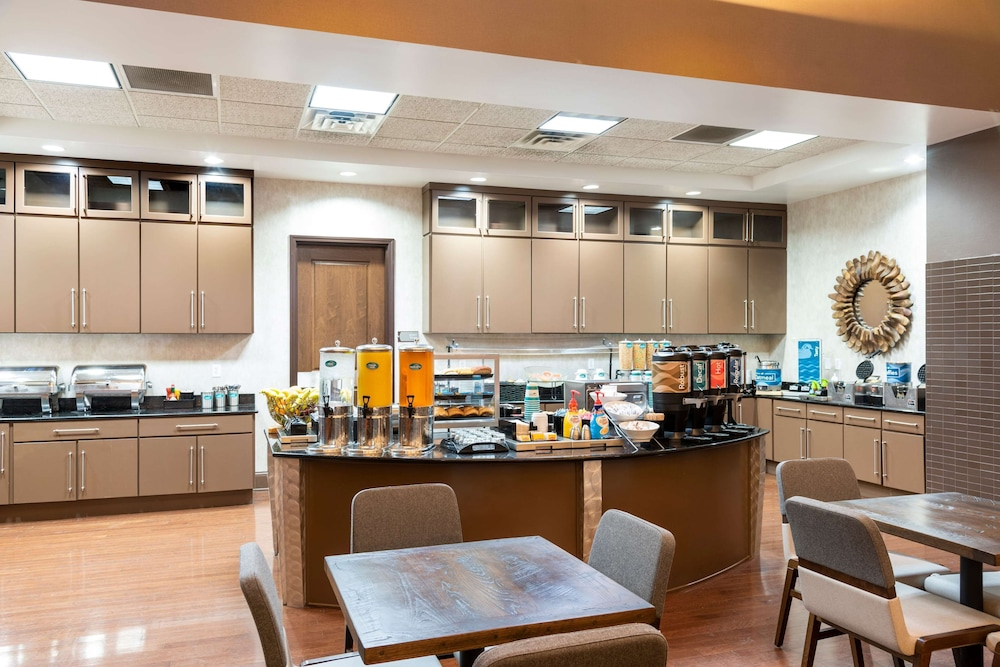 Breakfast Area, Homewood Suites by Hilton Indianapolis-Downtown