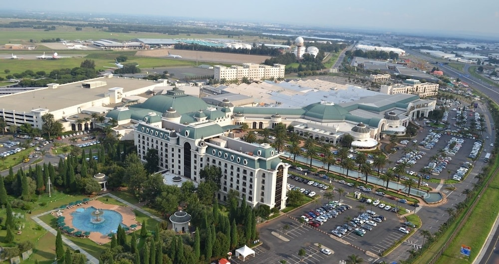 Peermont D'oreale Grande At Emperors Palace In. Bordeaux On Cologne. Al Maha A Luxury Collection Desert Resort And Spa. Changsha Dolton Grand Source Hotel. Hotel Gut Hohne. Hollyear Hotel Ningxiang. Bristol  Costa Victoria Hotel. Chalet Ighzer Hotel. Hotel Sepia