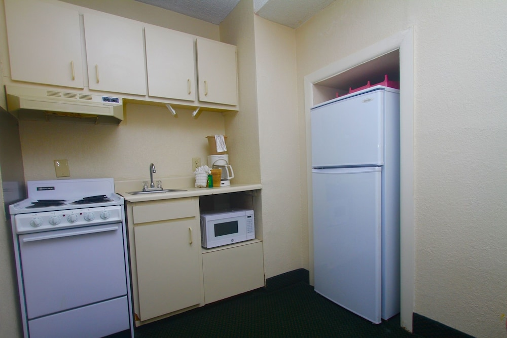 Private Kitchenette, Boardwalk Beach Resort