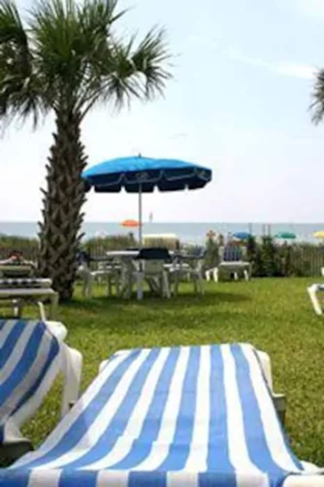 Property Grounds, Boardwalk Beach Resort