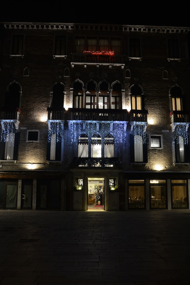Front of Property - Evening/Night, Hotel Palazzo Vitturi