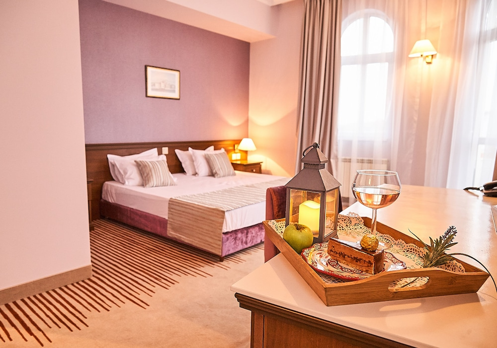 Hotel Lion Sofia (Sofia, BGR): Great Rates at Expedia.ie