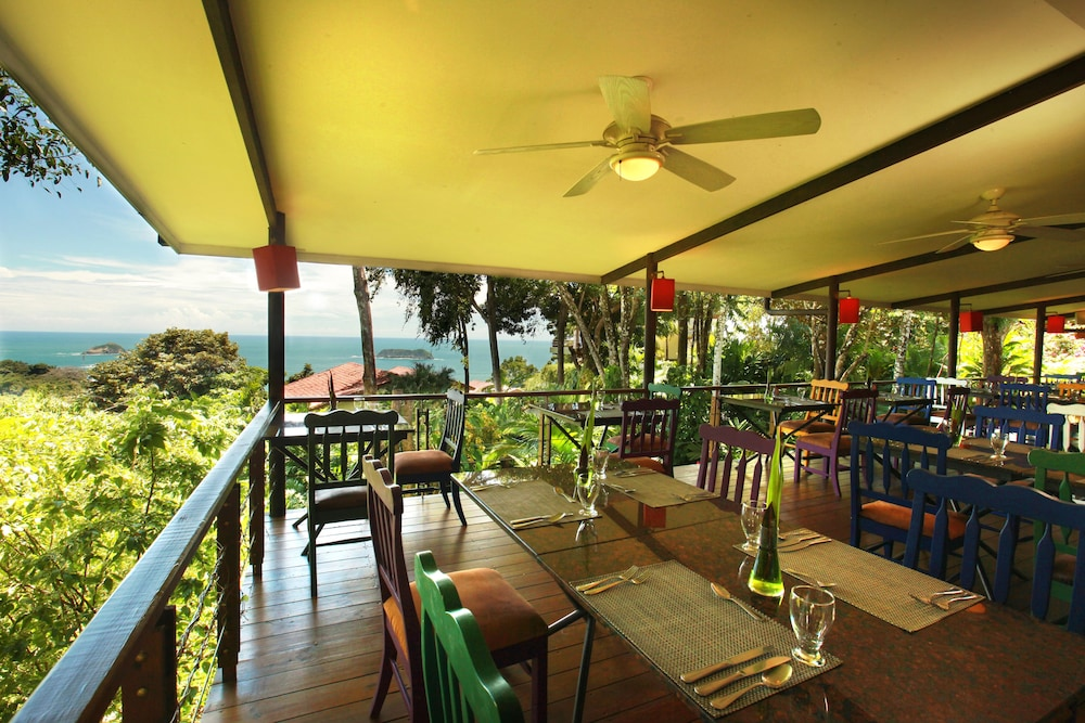 Outdoor Dining, Si Como No Resort, Spa and Wildlife Refuge