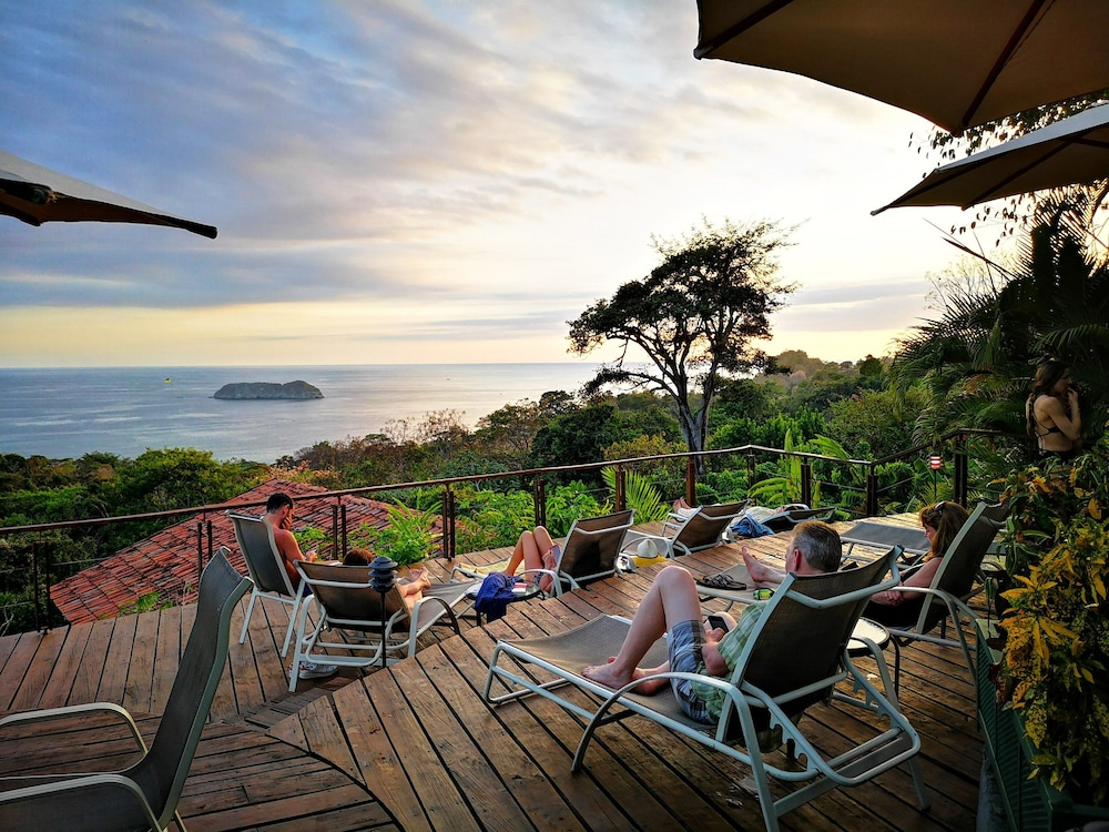 Sundeck, Si Como No Resort, Spa and Wildlife Refuge