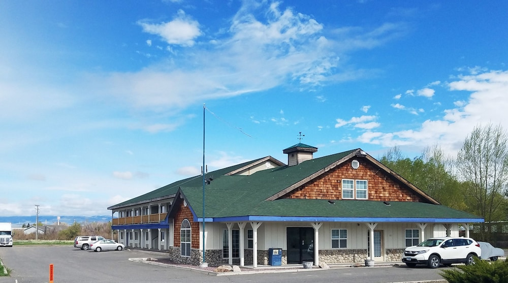 Beaverhead Lodge Dillon in Dillon | Hotel Rates & Reviews on
