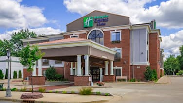 Holiday Inn Express Hotel & Suites South Bend, an IHG Hotel