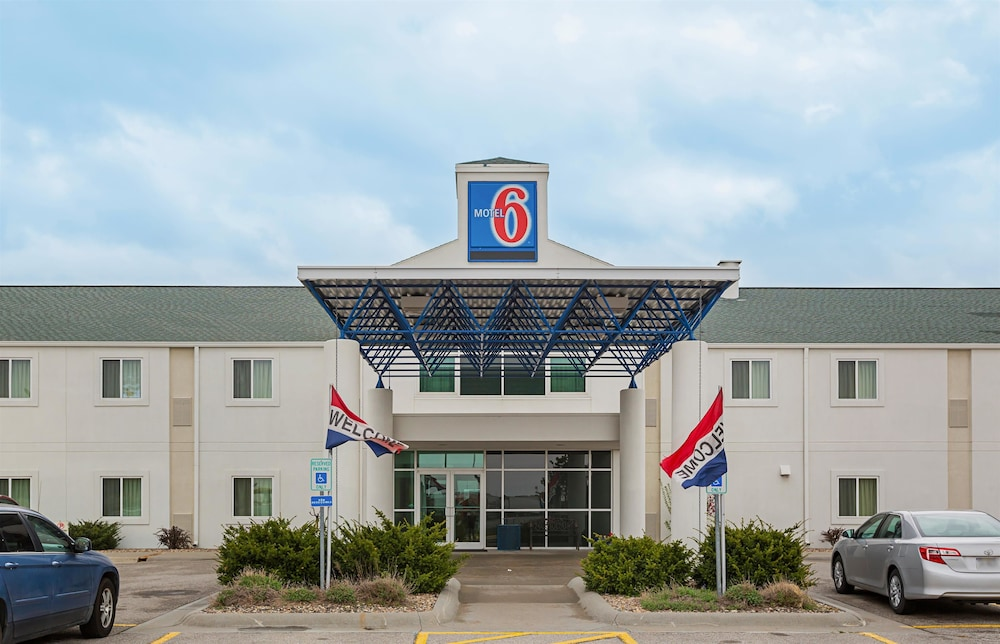 Featured Image, Motel 6 Grand Island, NE