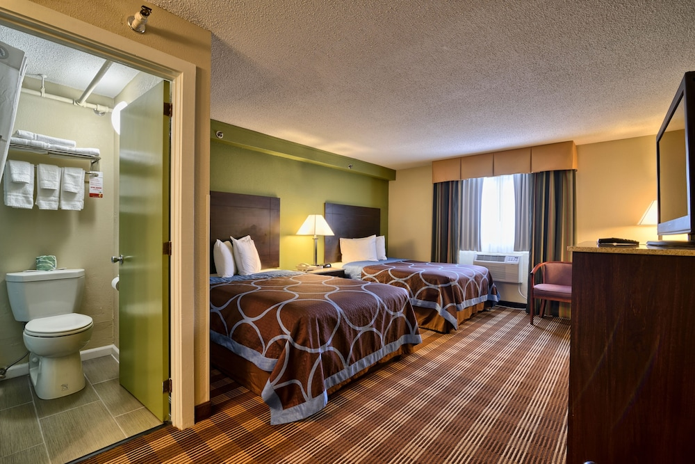 Room, Super 8 by Wyndham Bangor