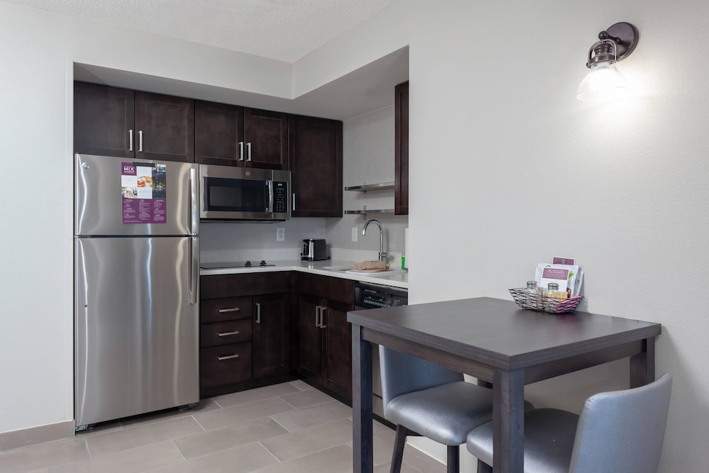 Private Kitchen, Residence Inn by Marriott Virginia Beach Oceanfront