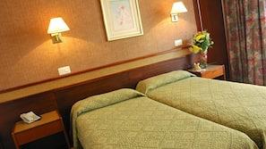 Värdeförvaringsskåp på rummet, skrivbord, gratis barnsängar och wi-fi