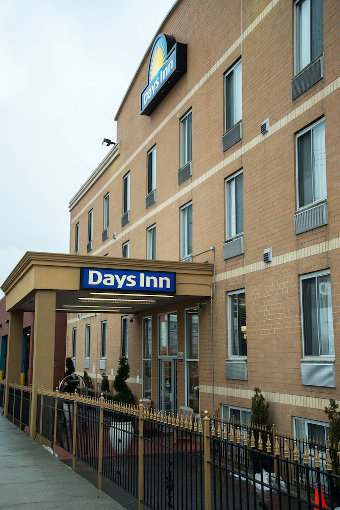 Exterior, Days Inn by Wyndham Jamaica / JFK Airport