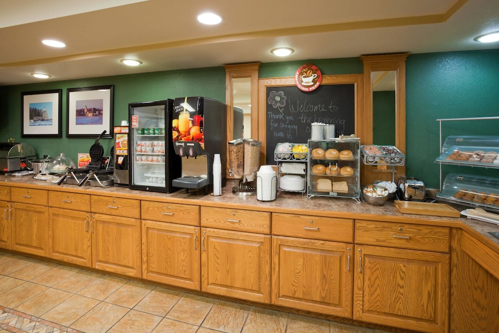 Breakfast Area, AmericInn by Wyndham Wetmore Munising
