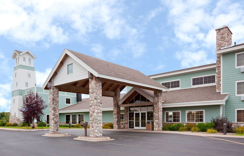 Featured Image, AmericInn by Wyndham Wetmore Munising
