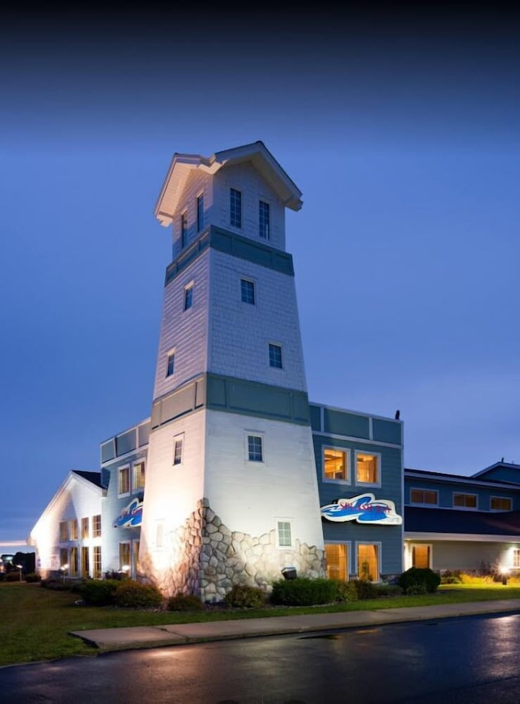 Front of Property - Evening/Night, AmericInn by Wyndham Wetmore Munising