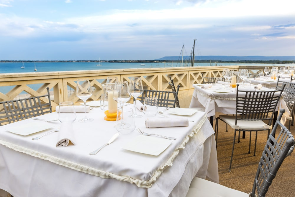 Grand hotel ortigia siracusa deals reviews syracuse for Hotel resort siracusa