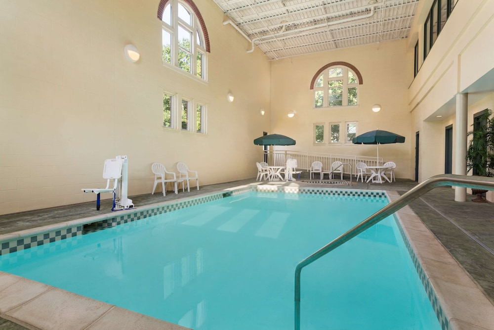 Indoor Pool, Country Inn & Suites by Radisson, St. Charles, MO