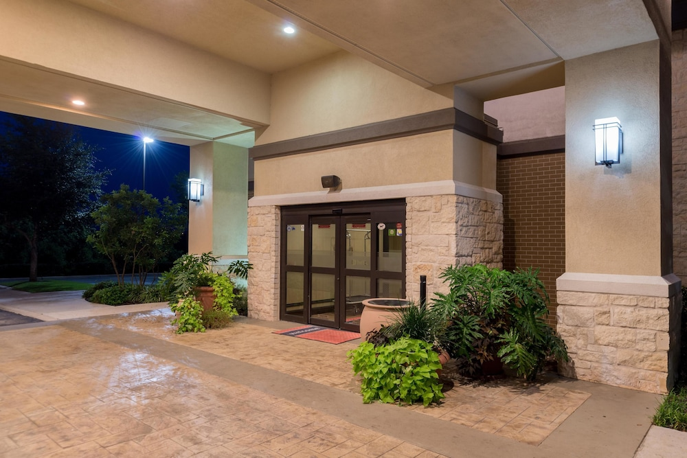 Cheap Hotels In Schertz Tx