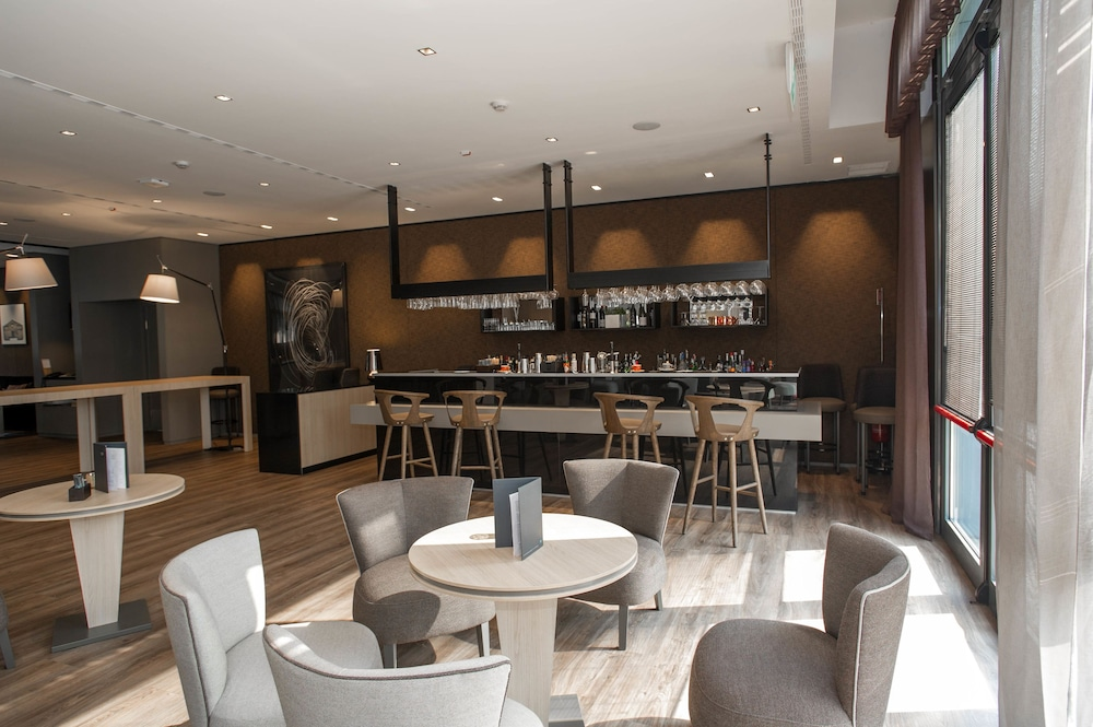 Lounge, AC Hotel Bologna by Marriott