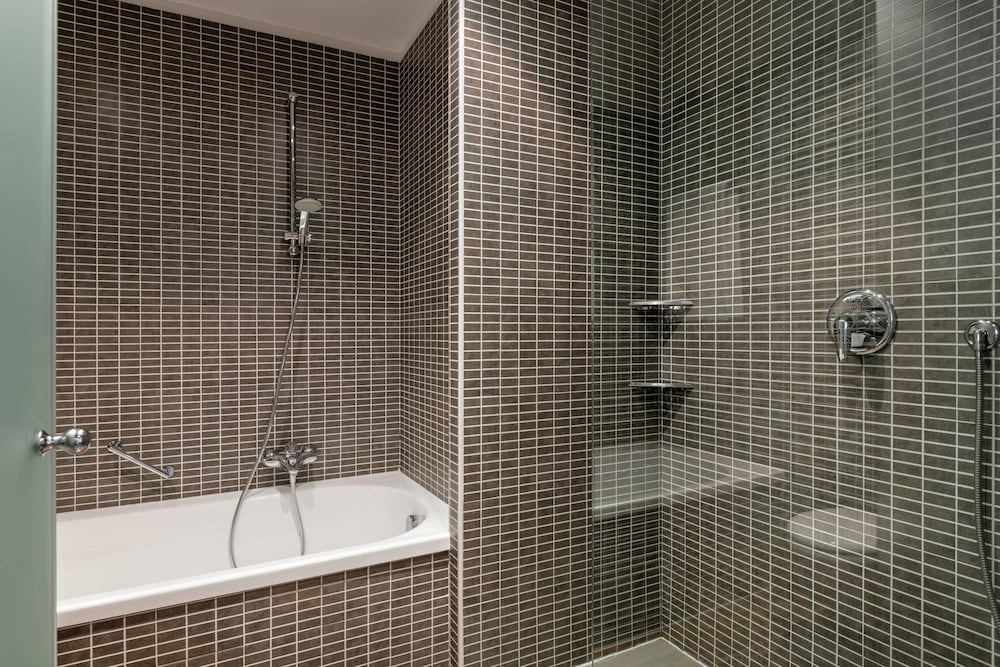 Bathroom, AC Hotel Bologna by Marriott
