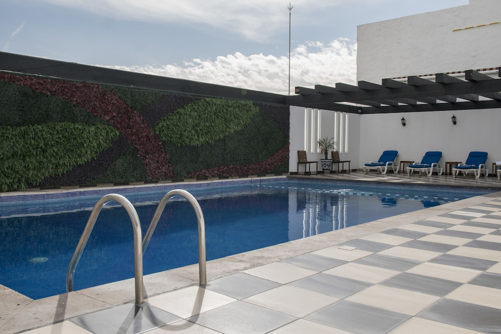 Outdoor Pool, Hotel Morales Historical & Colonial Downtown Core