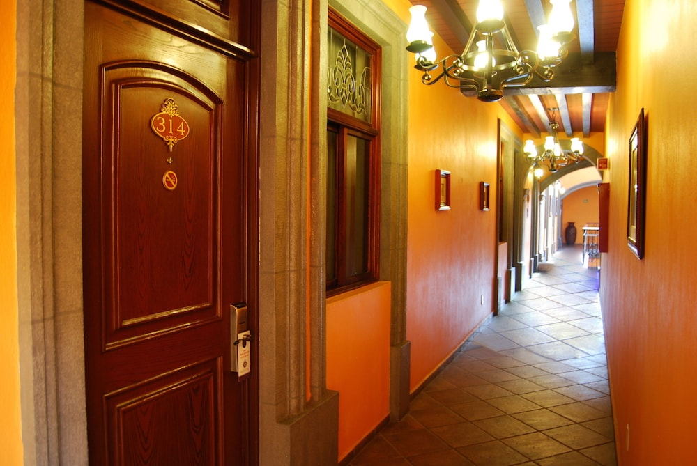 Hallway, Hotel Morales Historical & Colonial Downtown Core