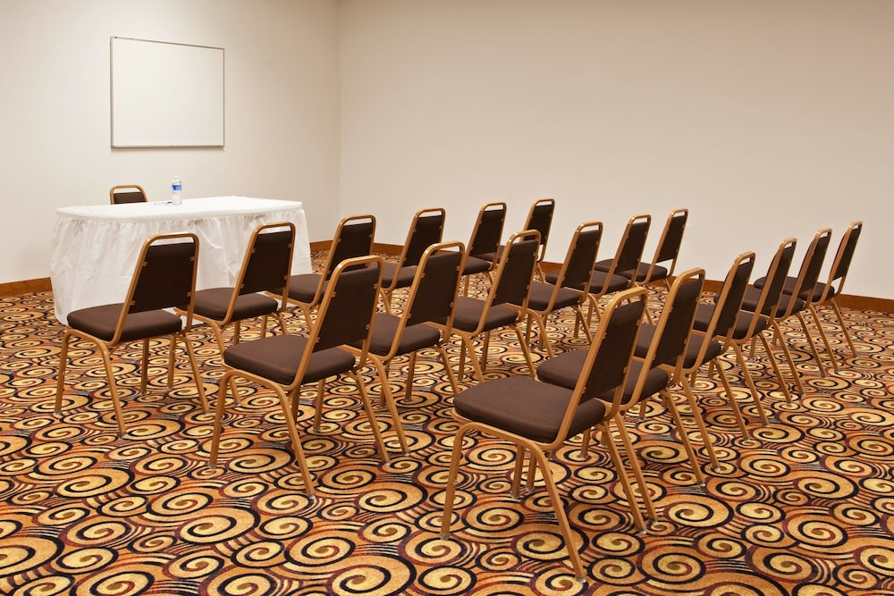 Meeting Facility, Holiday Inn Exp Chester WV