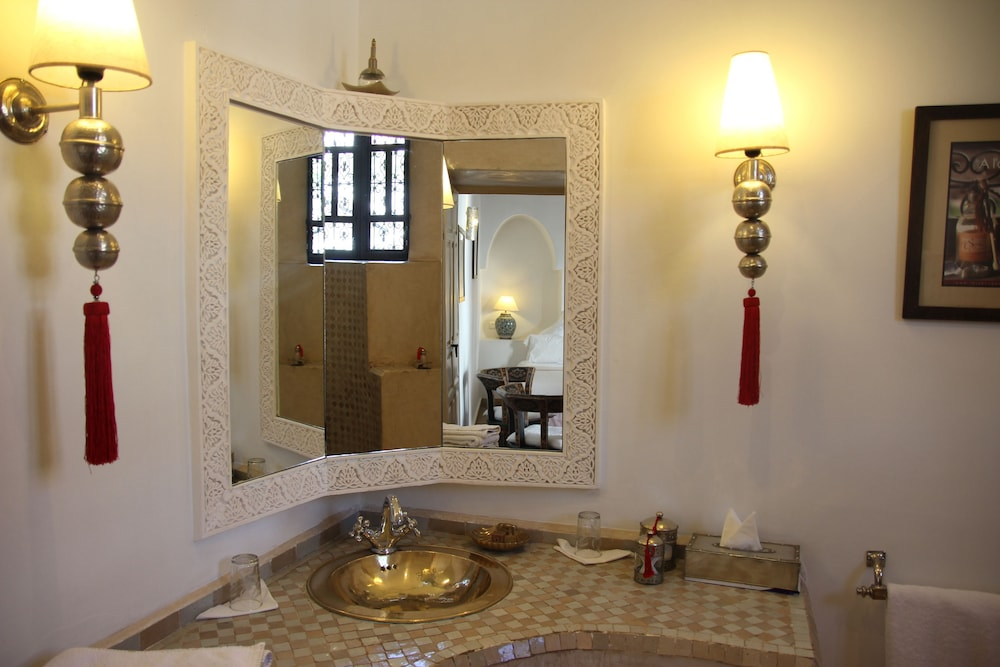 Bathroom Sink, Riad Clémentine