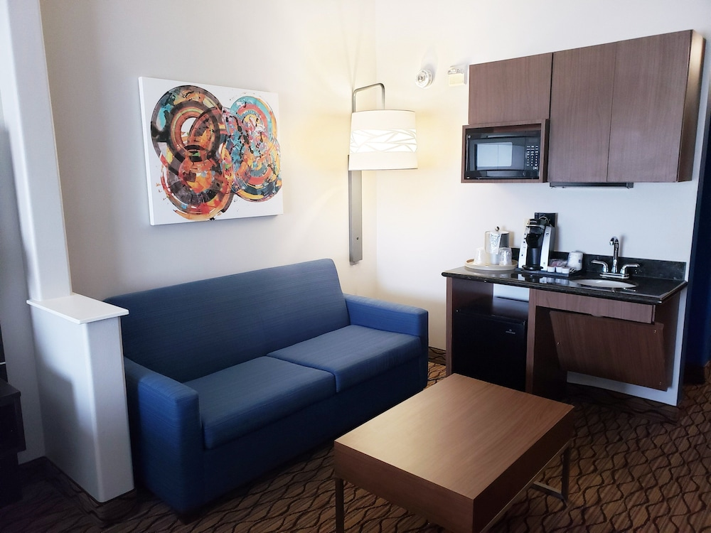 Room Amenity, Holiday Inn Express Hotel & Suites San Angelo