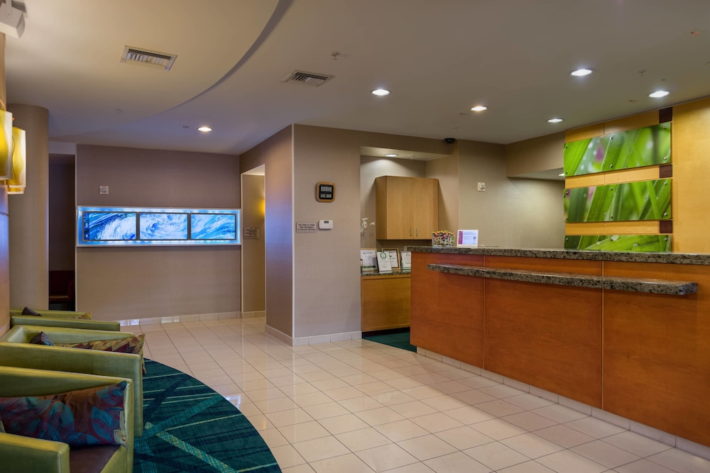 Lobby, SpringHill Suites by Marriott St. Petersburg Clearwater
