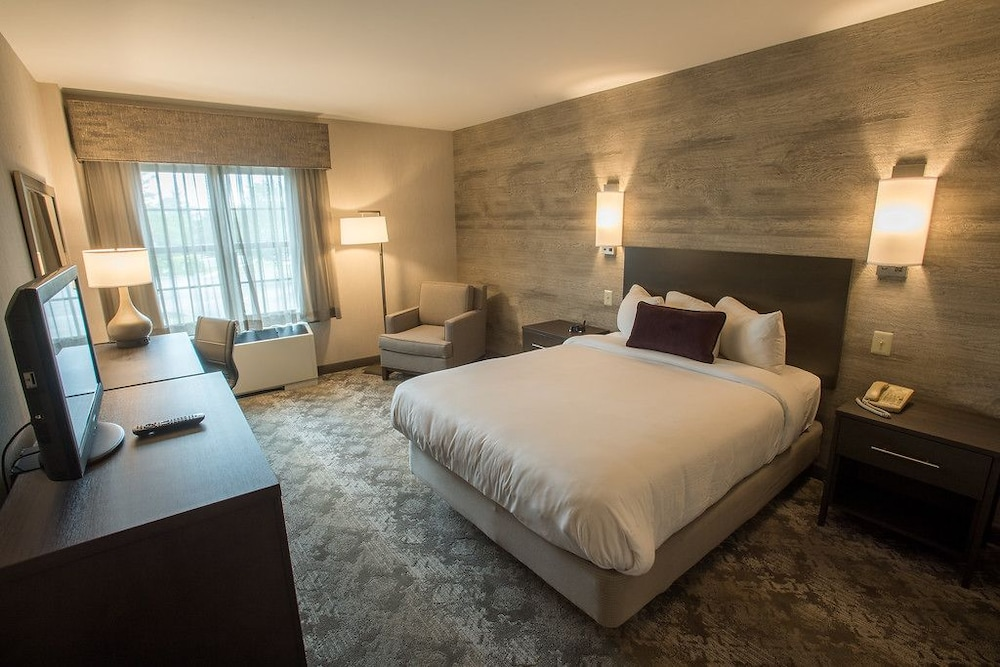 Normandy Farm Hotel And Conference Center  2018 Room