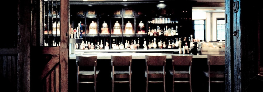 Bar, Normandy Farm Hotel and Conference Center